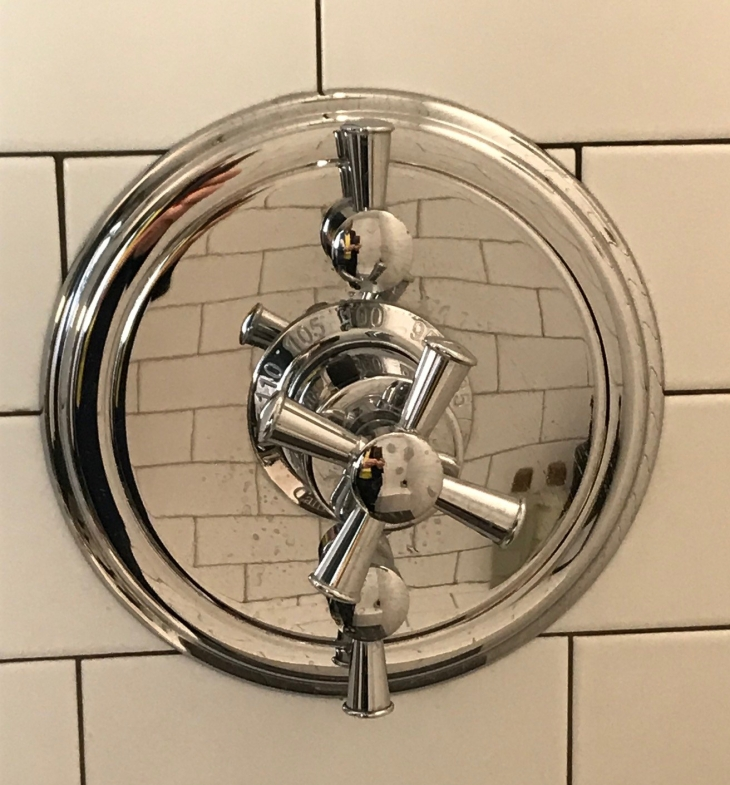 California Faucet shower control